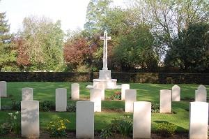 War memorial at Henley Road Cemetery