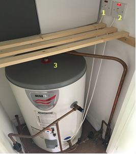 Hot water immersion tank